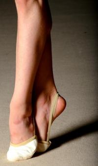 PASTORELLI leather beige half shoe; size 34 (European size 30-31), Art. 00537